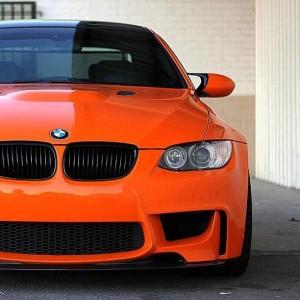 CARRO BMW LARANJA