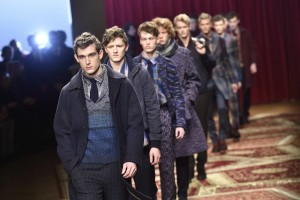 . Milan (Italy), 18/01/2015.- Models present creations from the Fall/Winter 2015/16 Men's Collection of Italian fashion label Missoni during the Milan Fashion Week, in Milan, Italy, 18 January 2015. The fashion week runs from 17 to 20 January. (Moda, Italia) EFE/EPA/FLAVIO LO SCALZO
