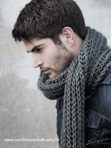 LOOK MASC. CACHECOL TRICOT CINZA LOGO SITE