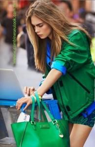 BOLSA e jaqueta VERDE esmeralda com azul klein LOGO SITE