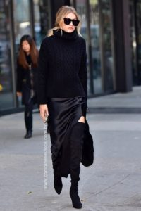 NEW YORK, NY - DECEMBER 08: Gigi Hadid seen on the streets of Manhattan on December 8, 2015 in New York City. (Photo by James Devaney/GC Images)